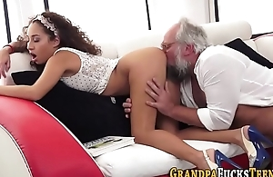 Teen whore gets oral sex