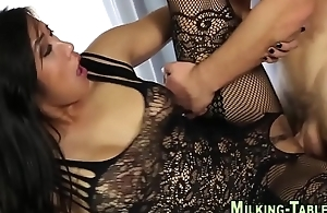 Asian masseuse gets fuck